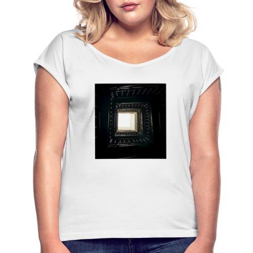 Treppenhaus - Frauen T-Shirt mit gerollten Ärmeln