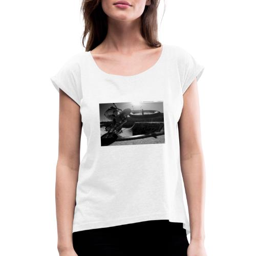Karl box - Frauen T-Shirt mit gerollten Ärmeln