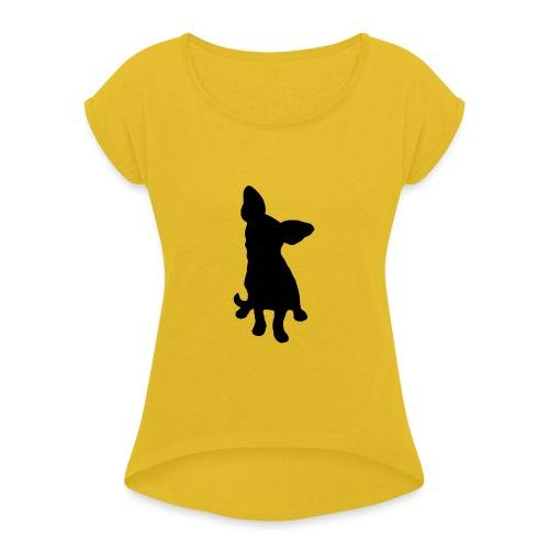 Chihuahua istuva musta - Naisten T-paita, jossa rullatut hihat