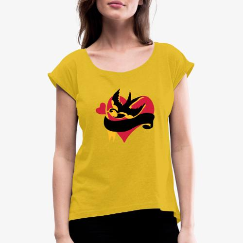 retro tattoo bird with heart - Women's T-Shirt with rolled up sleeves