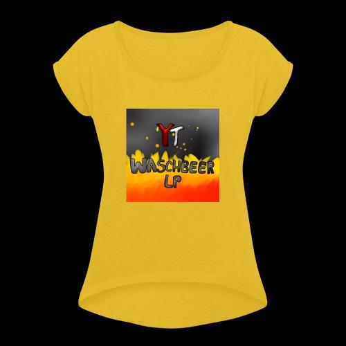 Waschbeer Design 2# Mit Flammen - Frauen T-Shirt mit gerollten Ärmeln