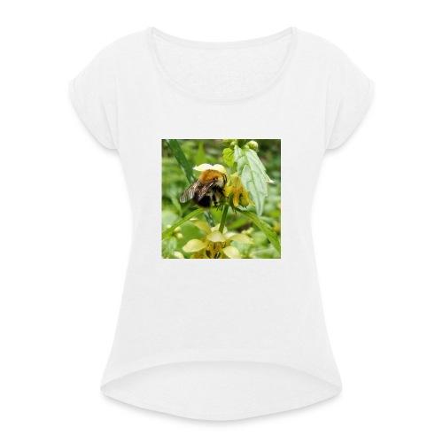 Auch eine Hummel braucht ein Dach überm Kopf - Frauen T-Shirt mit gerollten Ärmeln