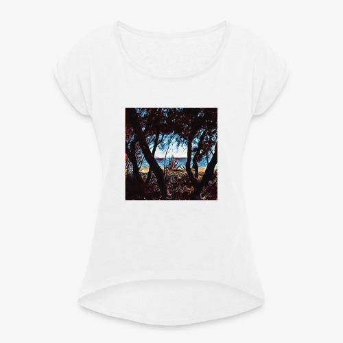 Vista mare dalla pineta - Maglietta da donna con risvolti