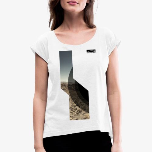 TCM shirt desert 3 - Women's T-Shirt with rolled up sleeves