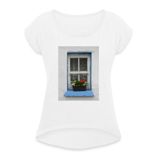 Cashed Cottage Window - Women's T-Shirt with rolled up sleeves