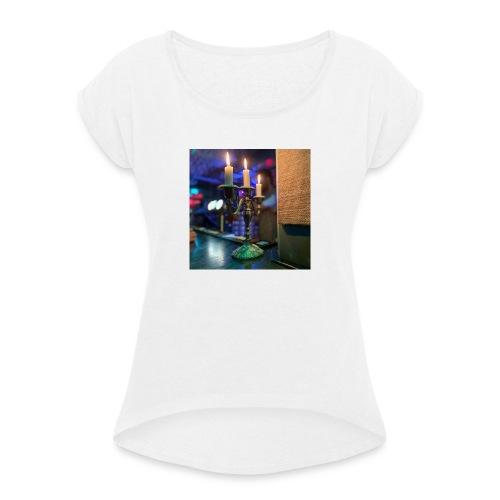 Ljusstalke - T-shirt med upprullade ärmar dam