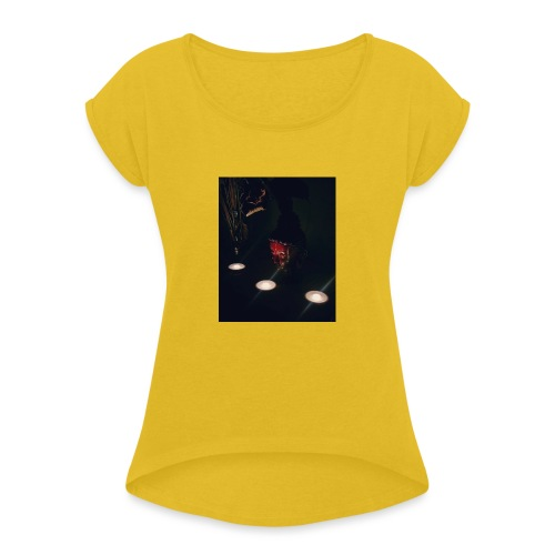 Relax - Women's T-Shirt with rolled up sleeves