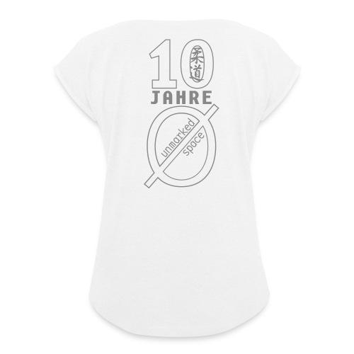 logo10 - Frauen T-Shirt mit gerollten Ärmeln