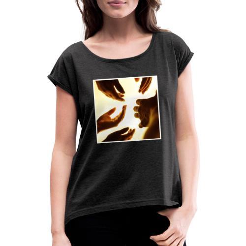 Reaching - Frauen T-Shirt mit gerollten Ärmeln