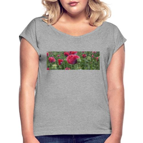 Blühendes Mohnfeld - Frauen T-Shirt mit gerollten Ärmeln