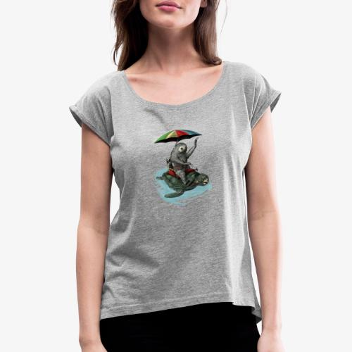 Two toed Sloth riding a turtle - Women's T-Shirt with rolled up sleeves