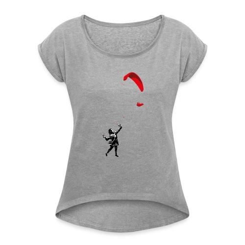 Mädchen mit Gleitschirm - Frauen T-Shirt mit gerollten Ärmeln