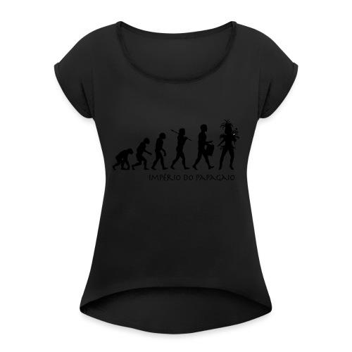 The Evolution of Samba - Naisten T-paita, jossa rullatut hihat