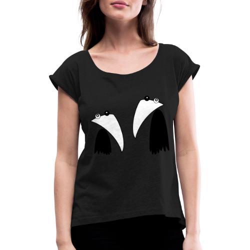 Raving Ravens - black and white 1 - Frauen T-Shirt mit gerollten Ärmeln