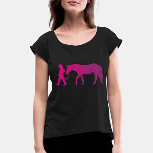 Mädchen führt Pferd, Horsemanship - Frauen T-Shirt mit gerollten Ärmeln
