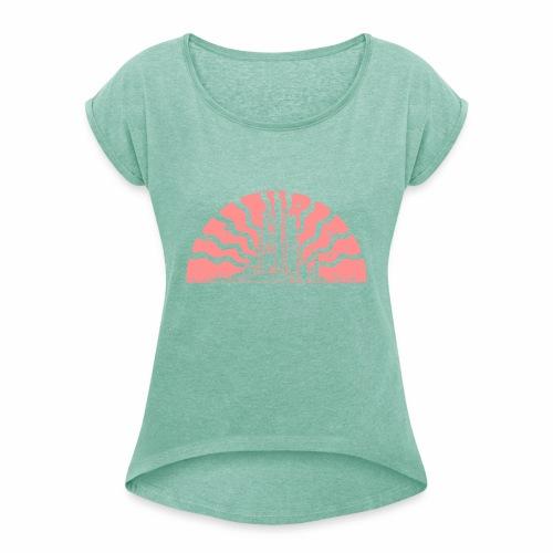 Fairytale Castle Sunrise - Frauen T-Shirt mit gerollten Ärmeln