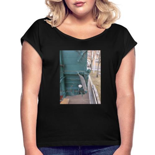WhatsApp Image 2021 03 05 at 09 45 26 - Frauen T-Shirt mit gerollten Ärmeln