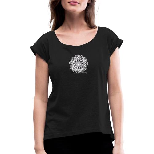 Granny´s Flower, valkoinen - Naisten T-paita, jossa rullatut hihat
