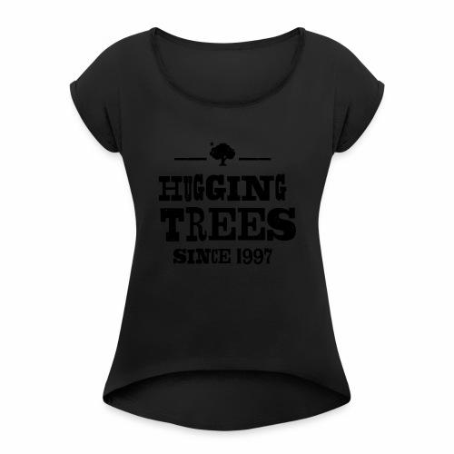 170512_KPARK_Hugging_01_v - Frauen T-Shirt mit gerollten Ärmeln