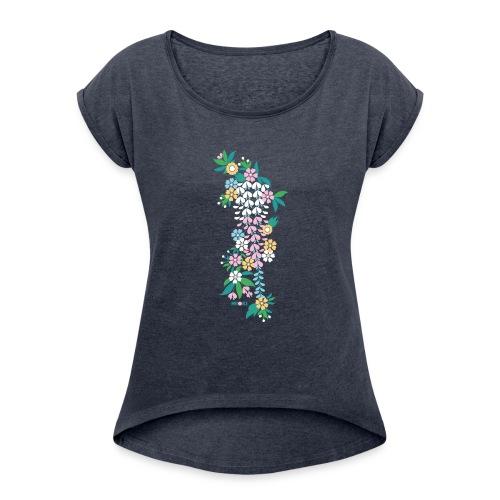 mioki cherry blossom2 - Frauen T-Shirt mit gerollten Ärmeln