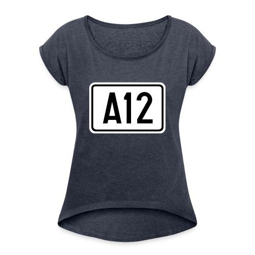 A12 - Vrouwen T-shirt met opgerolde mouwen