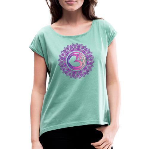 Yoga OM Zeichen Tshirt Ethno Style - Frauen T-Shirt mit gerollten Ärmeln