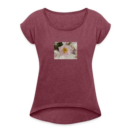 Fraîcheur d'été. - T-shirt à manches retroussées Femme