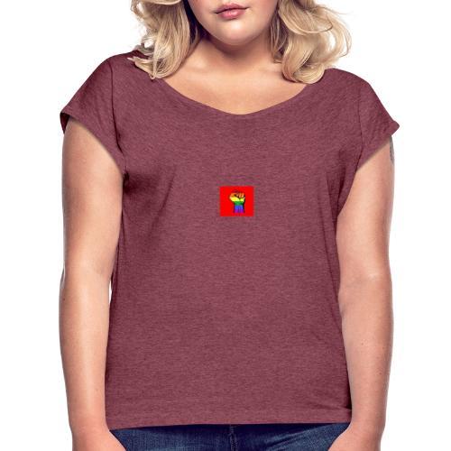 Lgbt Faust Protest roter Hintergrund - Frauen T-Shirt mit gerollten Ärmeln