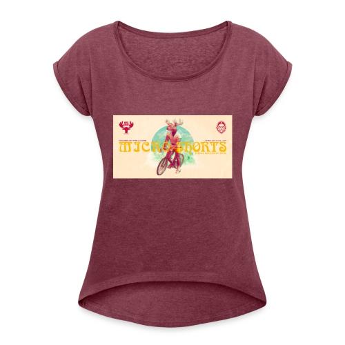 Moose On The Loose X JaskanKaljat Micro Shorts DDH - Naisten T-paita, jossa rullatut hihat