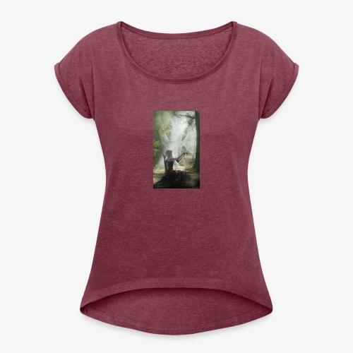3565967A DC75 476B 97A3 E5CAFCD25D23 - Frauen T-Shirt mit gerollten Ärmeln