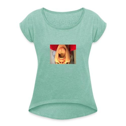 blææ - T-skjorte med rulleermer for kvinner