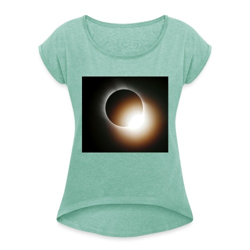 total solar eclipse 0808 - T-shirt med upprullade ärmar dam