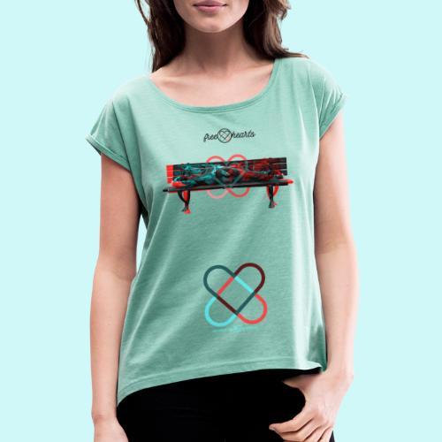 freehearts benchmark without scripture - Frauen T-Shirt mit gerollten Ärmeln