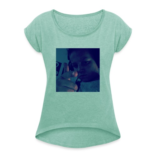 IMG 20190326 185027 563 - Naisten T-paita, jossa rullatut hihat