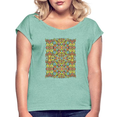 Weird creatures multiplying infinitely - Women's T-Shirt with rolled up sleeves