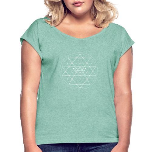 Valkoinen geometrinen Shri Yantra -kuvio - Naisten T-paita, jossa rullatut hihat