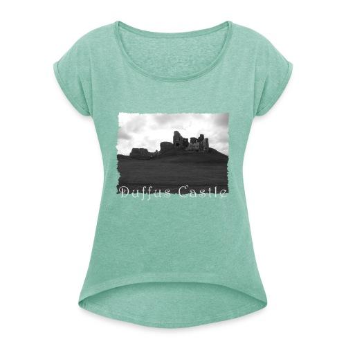 Duffus Castle #1 - Frauen T-Shirt mit gerollten Ärmeln