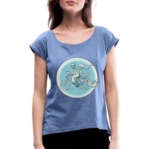 To the Beach - Backround - Frauen T-Shirt mit gerollten Ärmeln