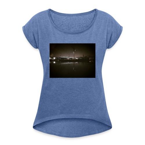 Dark Water View - T-shirt à manches retroussées Femme