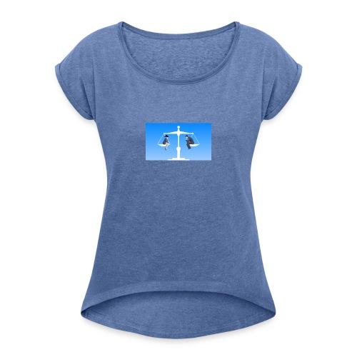 equality by santiago - Vrouwen T-shirt met opgerolde mouwen