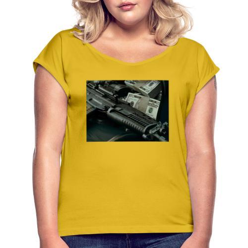 money and gun - Frauen T-Shirt mit gerollten Ärmeln