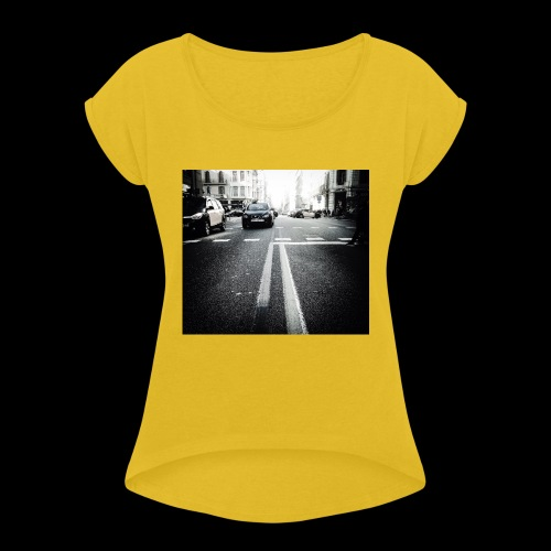 IMG 0806 - Women's T-Shirt with rolled up sleeves