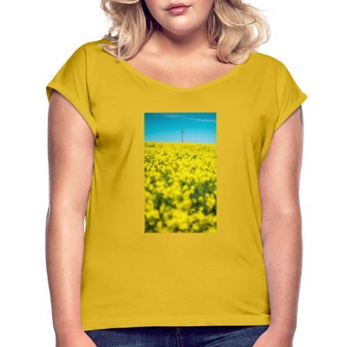 Rapsfeld - Frauen T-Shirt mit gerollten Ärmeln