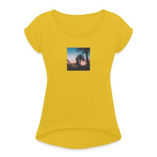 HAWAII TREES NIGHT CLOTHING - EXELLENT VIEW - Frauen T-Shirt mit gerollten Ärmeln