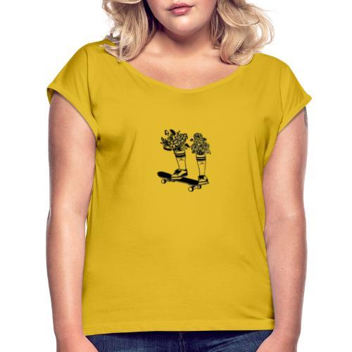Skate Arrow Flowers - Frauen T-Shirt mit gerollten Ärmeln