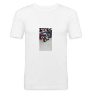 13528935_10208281459286757_3702525783891244117_n - slim fit T-shirt