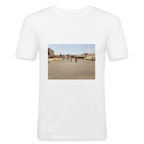 En pojke gör ett mål - Slim Fit T-shirt herr