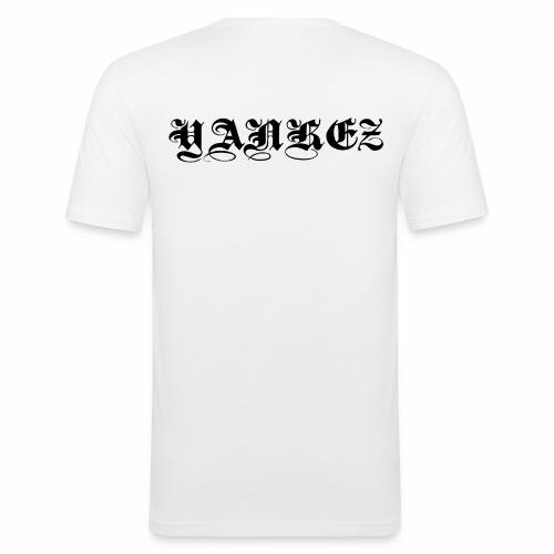 Yankez Schulter Schriftzug - Männer Slim Fit T-Shirt