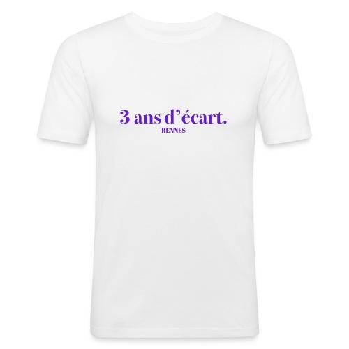 3 Ans D'écart - Nom & Localisation - T-shirt près du corps Homme