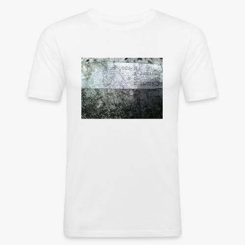 M A U T - Männer Slim Fit T-Shirt